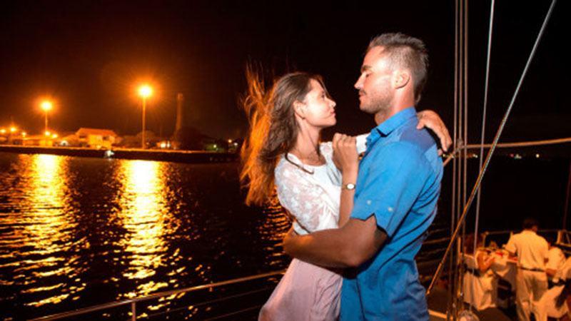 bali romantic evening cruise