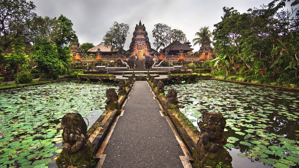 ubud bali pura taman saraswati temple