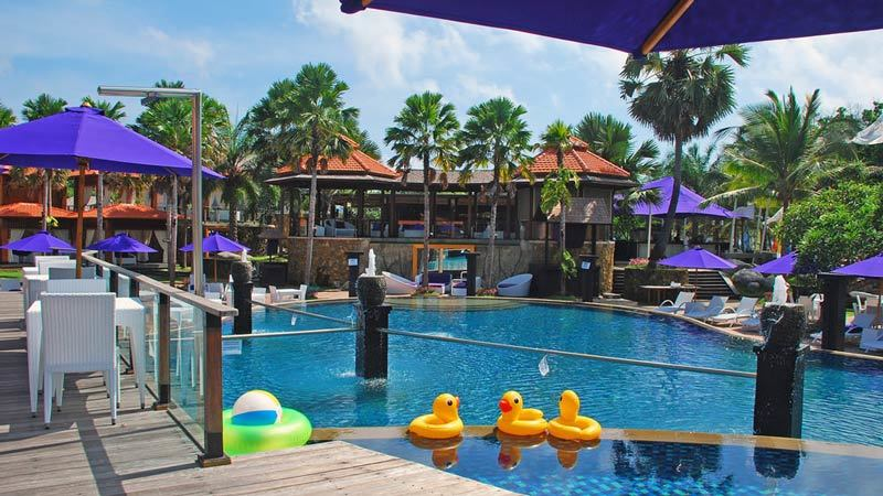 Bali beach clubs: Agendaz is an exclusive beach club popular among South-East Asian people
