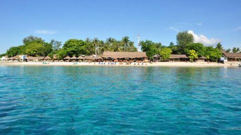 Bali to Gili Islands: View from the sea to Gili Trawangan