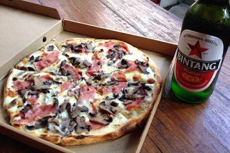 Best pizza in Bali: Pizza and Bintang delivery from Pizza Bagus