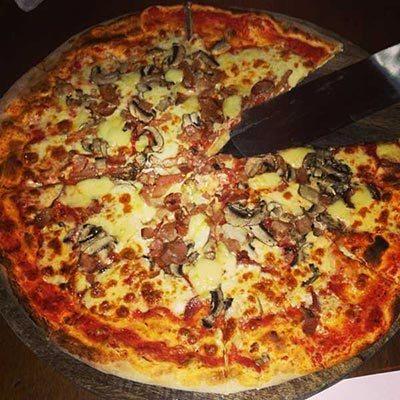 Best pizza in Bali: Warung Italia in Seminyak