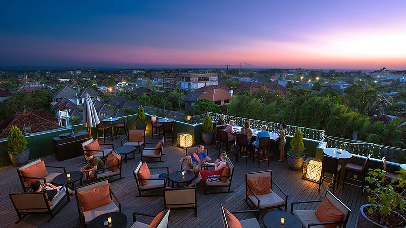 Best rooftop bars in Bali: Sunset time at Luna rooftop bar