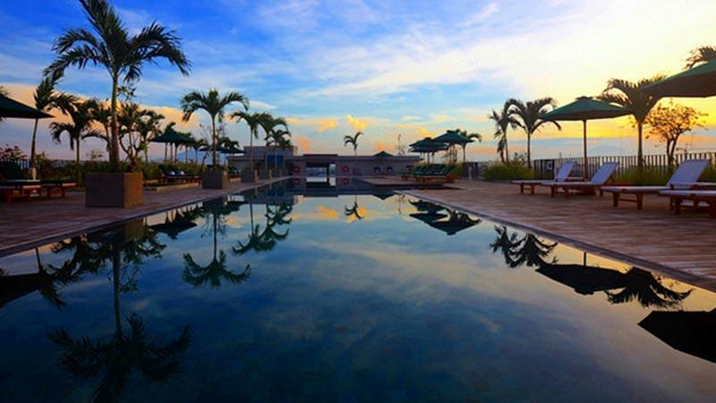 Best rooftop bars in Bali: The large pool at U-Paasha Seminyak