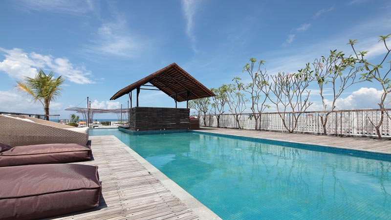 Best rooftop bars in Bali: The swimming pool at Vertical Point rooftop bar