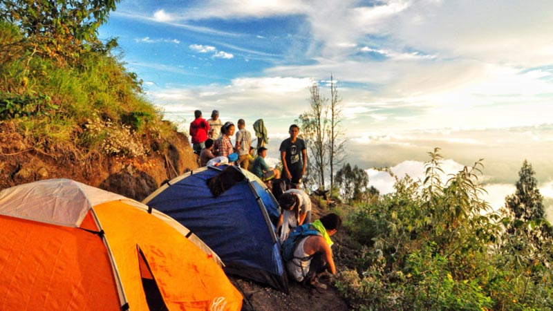 Camping in Bali: Views from Mount Agung campsite