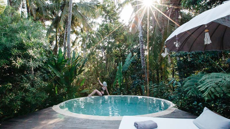 Camping in bali: Views from Sandat Glamping luxury tent