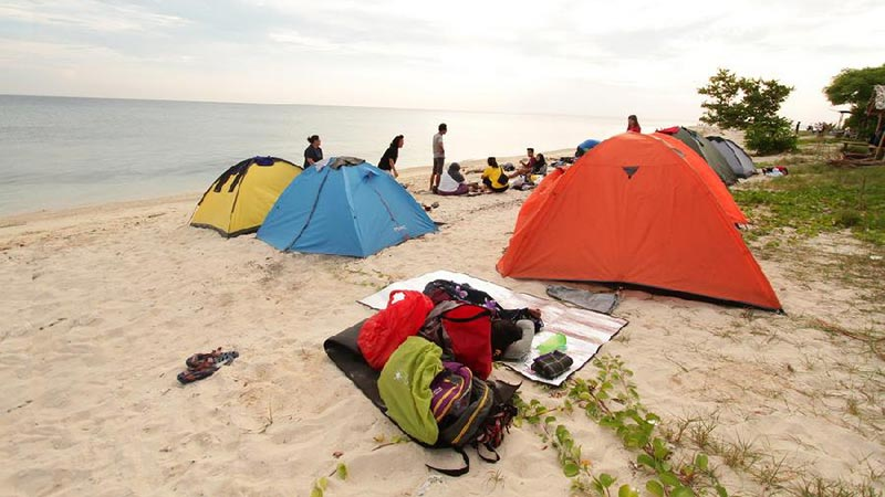 Camping in Bali: West bali National Park camping ground is located in the park headquarters in Cekik