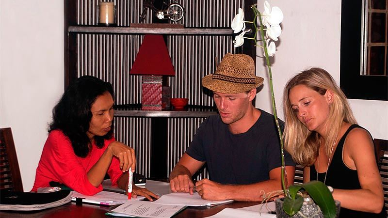 Travelling alone in Indonesia: An Indonesian language course is a great way to learn the language and meet people